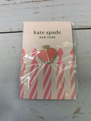 Kate Spade - Pink Heritage Heart Pin for Sale in Mooresville, NC