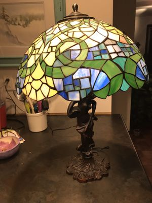 Tiffany style lamp for Sale in Simpsonville, SC