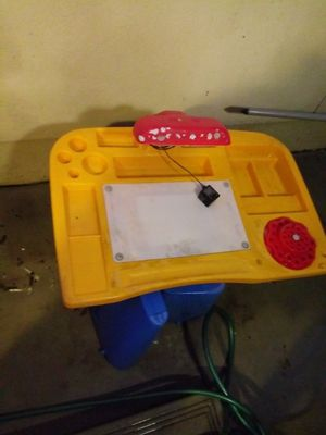Little tikes desk for Sale in Chino, CA