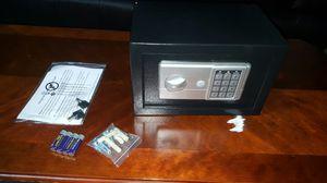 Digital heavy duty safe gun/jewelery /cash safe for Sale in Lodi, CA
