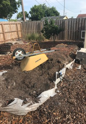 Free garden soil / dirt for Sale in Belleair Bluffs, FL