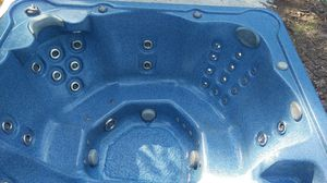 Dr wellness hot tub spa for Sale in Warren, IN