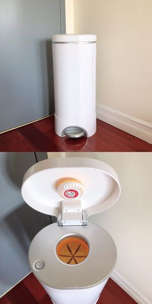 Munchkin Step Diaper Pail for sale for Sale in Queens, NY