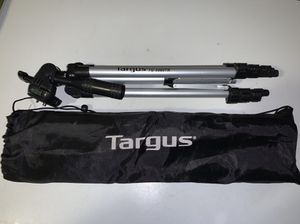 Targus 50 Inch Camera Camcorder Tripod Extendable BLACK SILVER w/ Bag for Sale in South Miami, FL