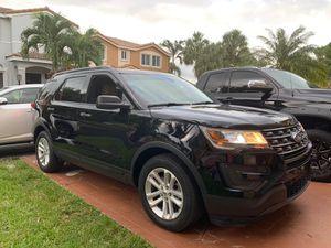 Ford explorer 2017, 17 millas, la más nueva for Sale in Miami, FL