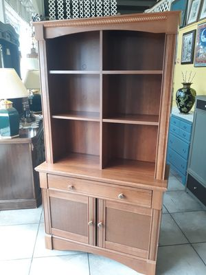 Kitchen/Dining/Book shelf/Craft /Display cabinet/ Top shelves are adjustable!..38×17×70 tall.. for Sale in Joliet, IL