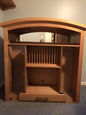 Solid maple hutch (2 pieces) for Sale in Harvey, MI