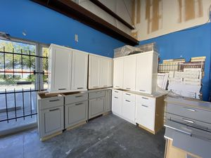 Kentmoore Used Kitchen Cabinets for Sale in Houston, TX