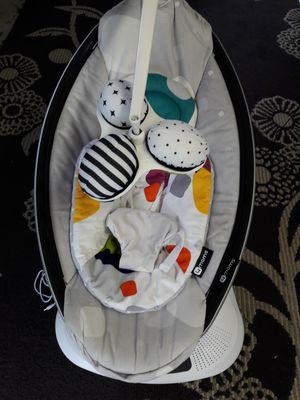 Swing Mamaroo in excellent condition for Sale in Shoreline, WA