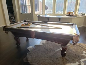 Excellent condition pool table! for Sale in Las Vegas, NV