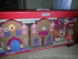 New princess doll house set for Sale in Manassas Park, VA