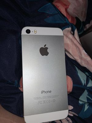 iPhone 5 Silver for Sale in Capitol Heights, MD