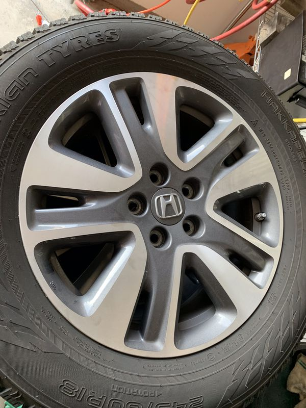 2016 Honda Odyssey Slightly used Tires and wheels less three thousand miles one winter have Receipts,Tires less then one year old will separate ,
