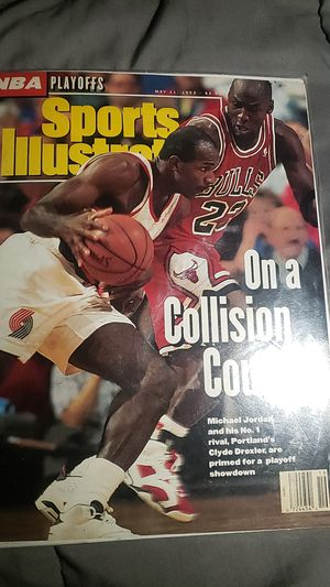 Micheal jordan..Clyde drexlerSports illustrated playoff issue for Sale in Portland, OR