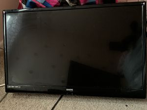 32in tv for Sale in Washington, DC