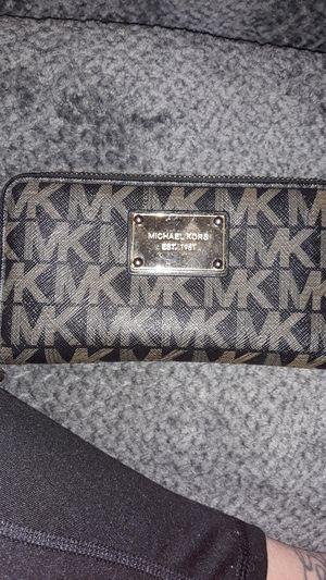 Michael Kors Tech Wristlet/Wallet for Sale in Harker Heights, TX