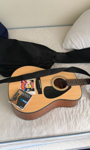 Yamaha Acoustic Guitar (basically new, used once!) for Sale in DEVORE HGHTS, CA