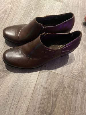 BRAND NEW Clarks boots size 8 for Sale in New Brunswick, NJ