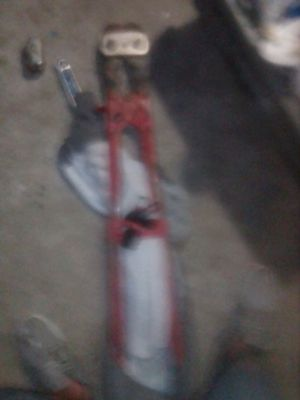 Big bolt cutter for Sale in Bakersfield, CA