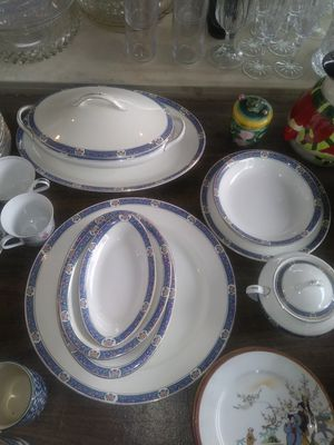 Blue antique china set for Sale in Compton, CA