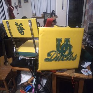 Vintage Oregon Ducks Game Seat .and Cushion for Sale in Lebanon, OR