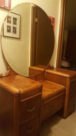 Makeup vanity for Sale in Everett, WA