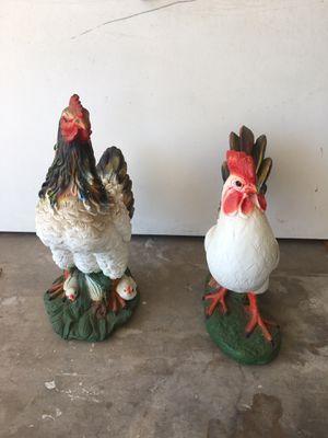 Gallo y gallina con pollitos decorativos muy bonitos for Sale in Phoenix, AZ