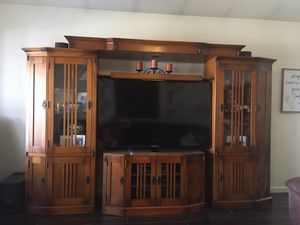 "Home entertainment center with Sony 60"" Bravia LCD tv, BOSE 3-2-1 Surround Sound, Panasonic BluRay disc player for Sale in Phoenix, AZ"