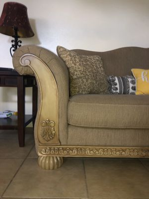 Couch for Sale in Avon Park, FL