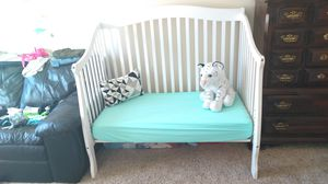 White Baby Crib/Day/Twin with Mattress & Sheets for Sale in Everett, MA