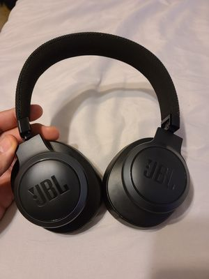 jbl headphones and good condition for Sale in Phoenix, AZ