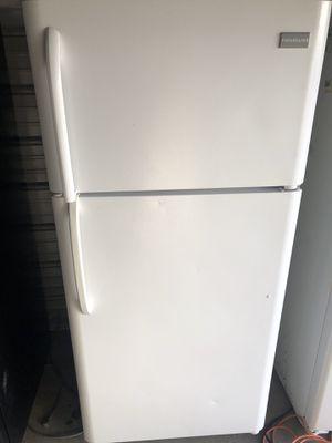 Very Nice White Frigidaire Refrigerator for Sale in Santa Ana, CA