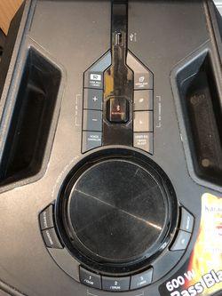 LGFH6 BLUETOOTH SPEAKER SYSTEM for Sale in Cedar Grove,  NJ