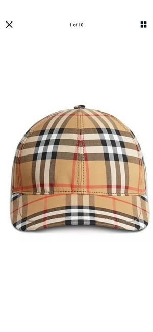 Burberry hat size large for Sale in Washington, DC