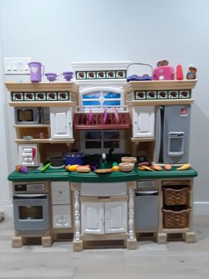 Step 2 play kitchen deluxe for Sale in Phoenix, AZ