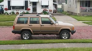 1999 Jeep Cherokee sport for parts for Sale in Cleveland, OH