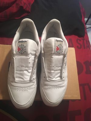 Reebok Classic size 9.5 for Sale in Tampa, FL