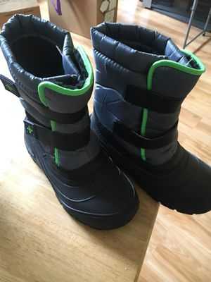 Boys size 3 snow boots- worn once only for Sale in Durham, NC