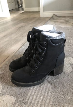 Brand new women's boots size 8.5 for Sale in Clovis, CA