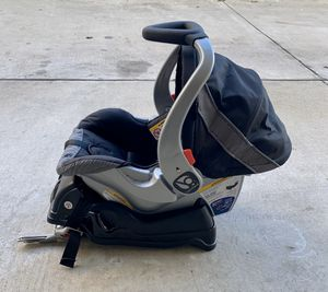 Baby Trend EZ Flex Loc Infant Car Seat for Sale in San Diego, CA