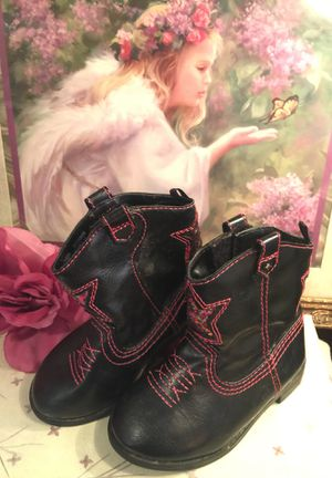 """Little girls cute Cowgirl boots """" black with pink thread-design Euc. Size(6) slip on faux leather for Sale in Northfield, OH"""