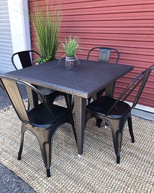5 piece outdoor dining set wicker table & 4 chairs for Sale in San Diego, CA