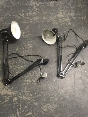 Lights extendable arm work shop or pets for Sale in Cleveland, OH