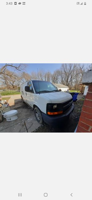 2005 Chevy Express 2500 for Sale in North Ridgeville, OH