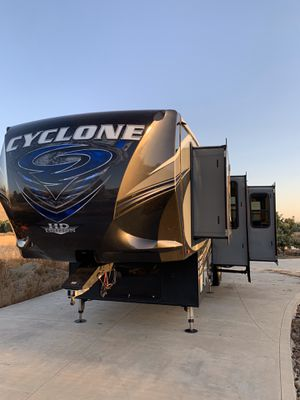 2017 Cyclone 3611 by Heartland for Sale in Lindsay, CA
