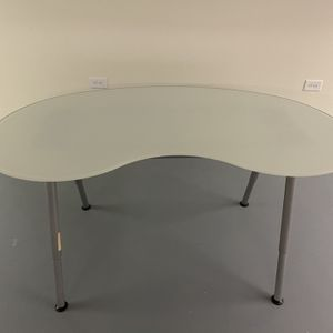 MODERN FROSTED GLASS TABLE *PRICE NEGOTIABLE* for Sale in Prospect Heights, IL