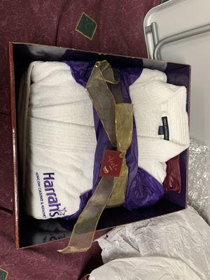 Clothes Robe sleeping/ Bath Harrahs Robe for Sale in Los Angeles, CA