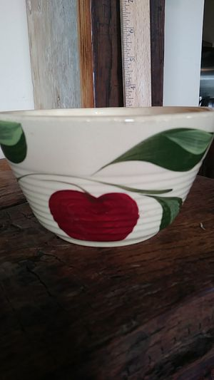 Watts 6 inch ridged apple bowl for Sale in Chambersburg, PA