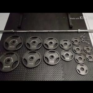 300 LB Olympic Weight Set for Sale in Walnut, CA