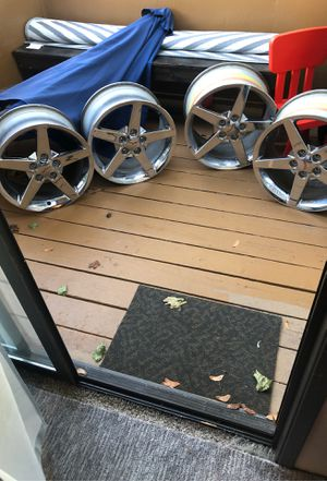 4 Corvette chrome Rims, 5x120. Barely used. Only serious inquires pls. for Sale in Tacoma, WA